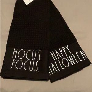 New Rae Dunn Set of 2 Halloween Kitchen Towels